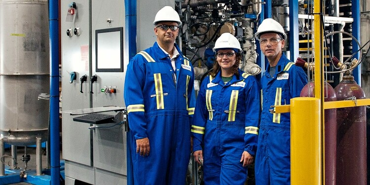 (From left) Bioresource scientist David Bressler with Forge Hydrocarbons project engineering manager Carla Brenner and project vice-president Neil Vanknotsenberg at the Advanced Energy Research Facility in Edmonton. (Photo: TEC Edmonton)