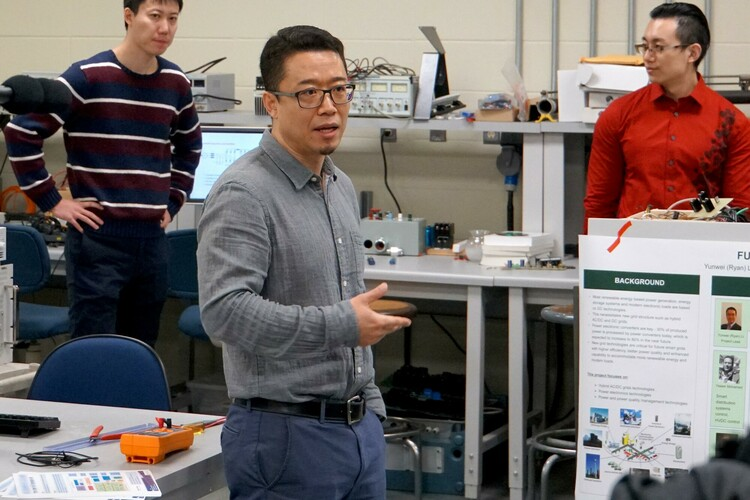 Future Energy Systems Principal Investigator Ryan Li hosts a tour of his lab.