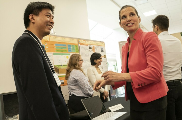 Future Energy Systems Principal Investigator Hongbo Zeng with Minister of Science and Sport Kirsty Duncan.