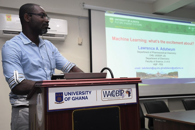 Lawrence Adutwum during a machine learning seminar at the West African Centre for Cell Biology of Infectious Pathogens in Accra, Ghana.